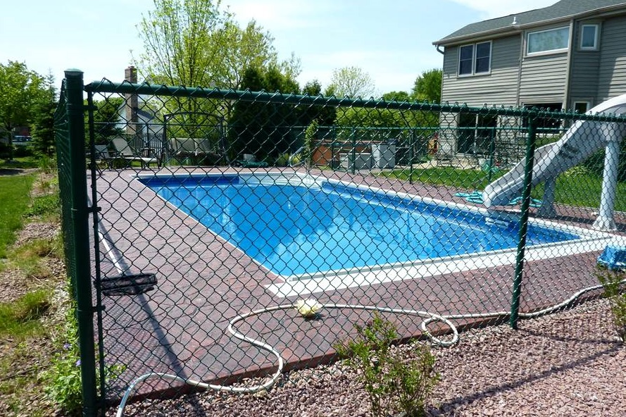 Steel chain link fence for swimming pool